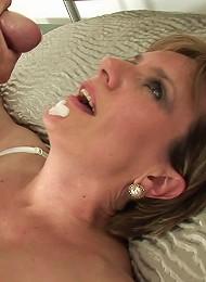 Lady sonia facial